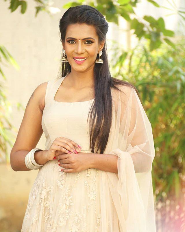 Meera Mitun Hot Photos--Telugu Actress Hot Photos Meera Mitun Hot Photos-