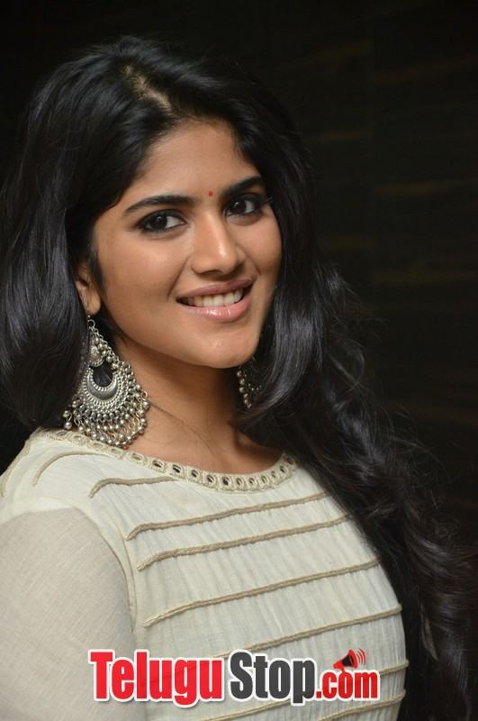 Megha Aakash New Stills-Megha Aakash New Stills-
