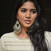 megha-aakash-new-stills4