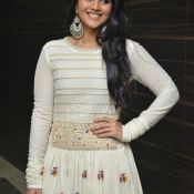 megha-aakash-new-stills5