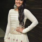 megha-aakash-new-stills6