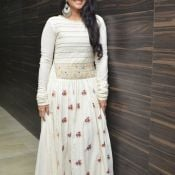 megha-aakash-new-stills7