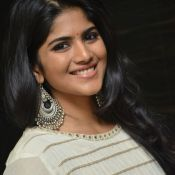 megha-aakash-new-stills8