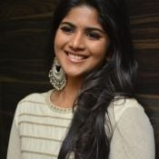 megha-aakash-new-stills9