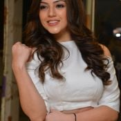 mehareen-latest-stills09