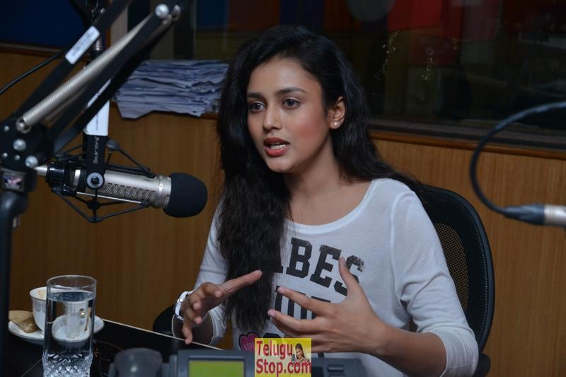 Misti Chakravarthy New Pics-Misti Chakravarthy New Pics-
