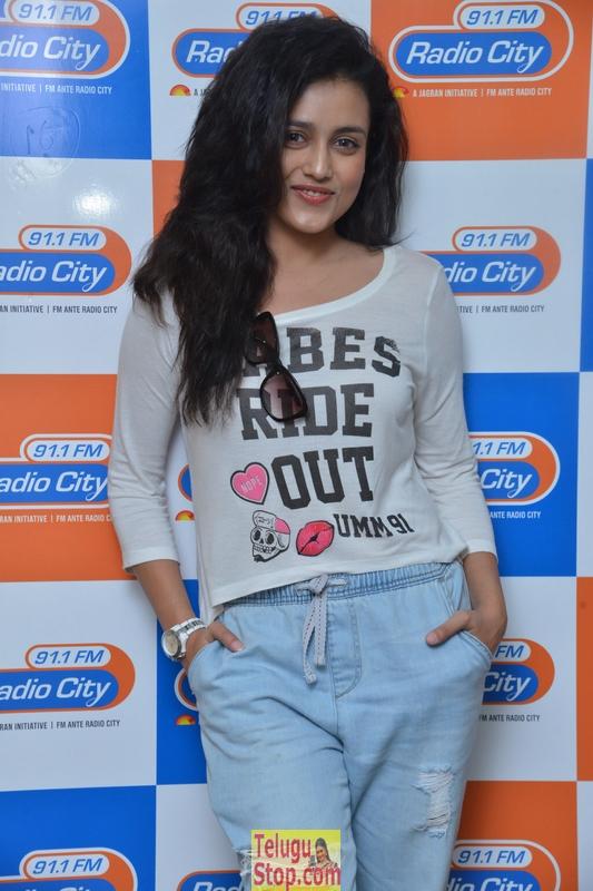 Misti Chakravarthy New Pics-Misti Chakravarthy New Pics--Telugu Actress Hot Photos Misti Chakravarthy New Pics-