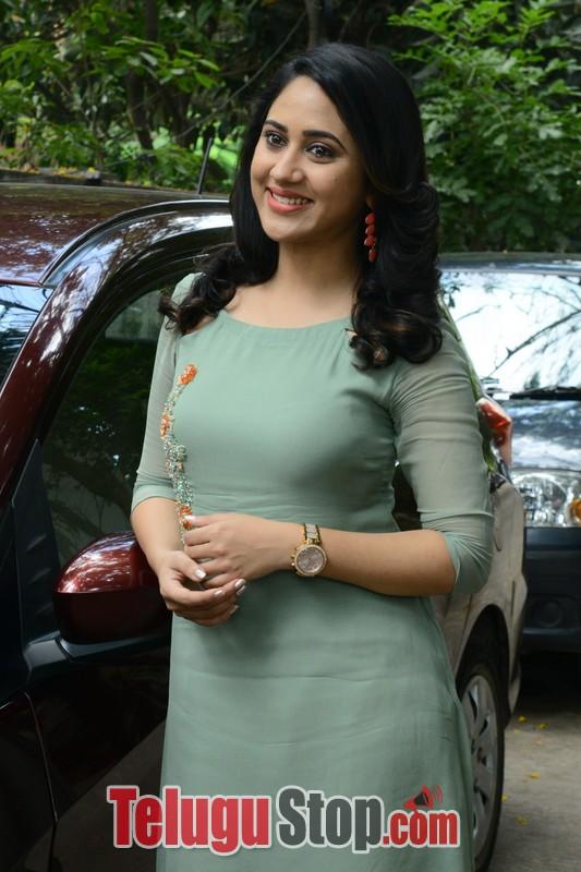 Miya george new stills- Photos,Spicy Hot Pics,Images,High Resolution WallPapers Download