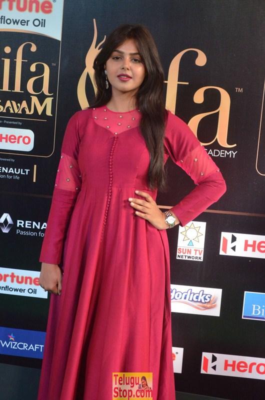 Monal gajjar at iifa awards- Photos,Spicy Hot Pics,Images,High Resolution WallPapers Download
