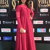 monal-gajjar-at-iifa-awards2