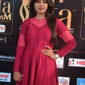 monal-gajjar-at-iifa-awards6