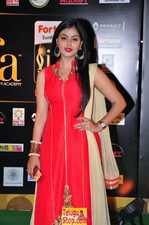 Monal gajjar pics- Photos,Spicy Hot Pics,Images,High Resolution WallPapers Download