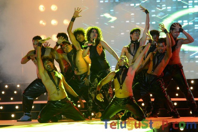 Mumaith khan performance at max miss event- Photos,Spicy Hot Pics,Images,High Resolution WallPapers Download