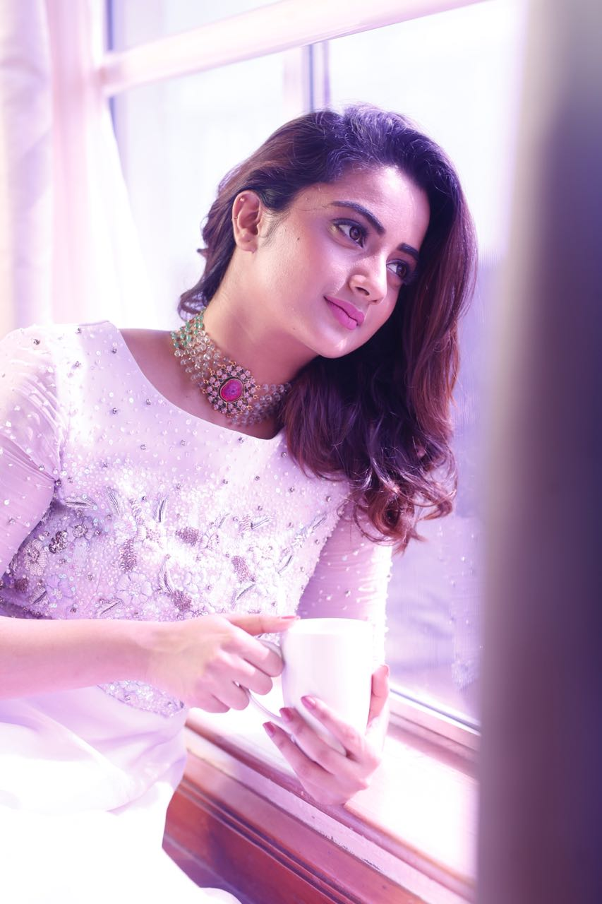 Namitha pramod press release- Photos,Spicy Hot Pics,Images,High Resolution WallPapers Download