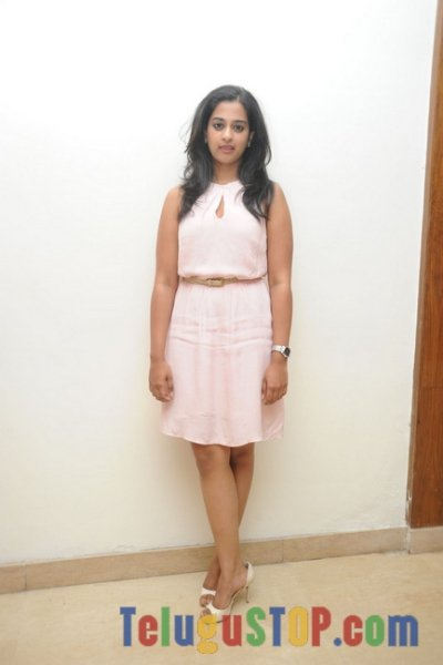 Nandha latest pics- Photos,Spicy Hot Pics,Images,High Resolution WallPapers Download