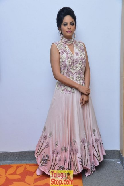 Nandhitha Swetha New Stills-Nandhitha Swetha New Stills--Telugu Actress Hot Photos Nandhitha Swetha New Stills-