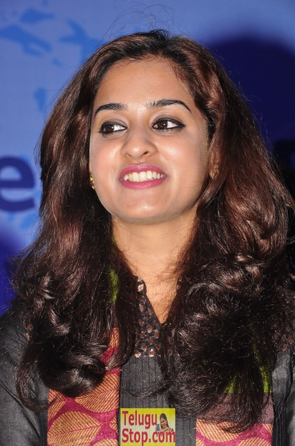 Nanditha latest stills 3- Photos,Spicy Hot Pics,Images,High Resolution WallPapers Download