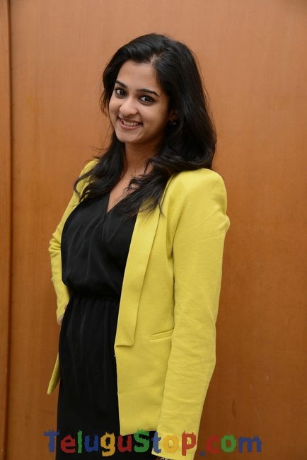 Nanditha new stills 3- Photos,Spicy Hot Pics,Images,High Resolution WallPapers Download