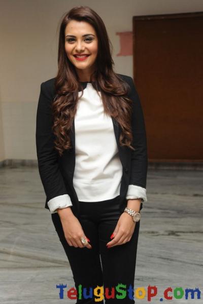 Nazia New Pics-Nazia New Pics--Telugu Actress Hot Photos Nazia New Pics-
