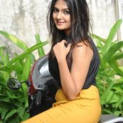 neha-deshpande-latest-gallery1
