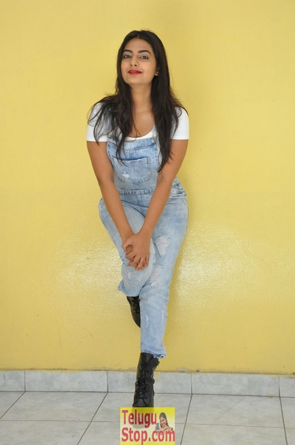 Neha deshpande new pics 3- Photos,Spicy Hot Pics,Images,High Resolution WallPapers Download