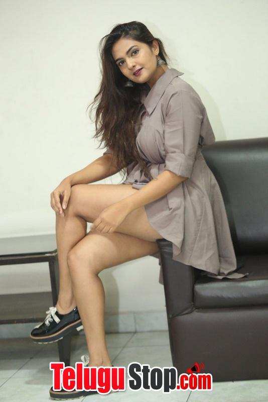 Neha Deshpande New Pics--Telugu Actress Hot Photos Neha Deshpande New Pics-