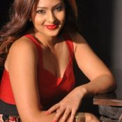 nikesha-patel-new-stills02