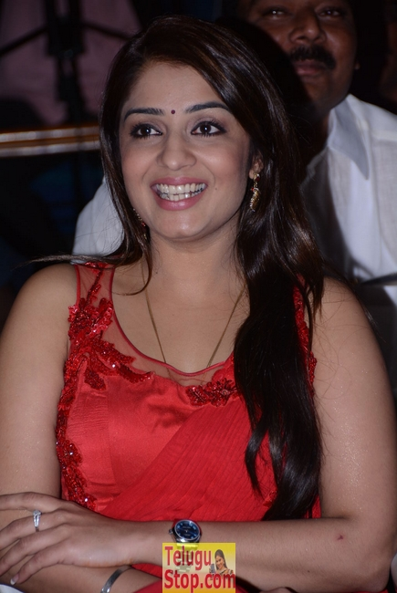 Nikita thukral stills- Photos,Spicy Hot Pics,Images,High Resolution WallPapers Download