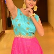 Nilofer New Stills