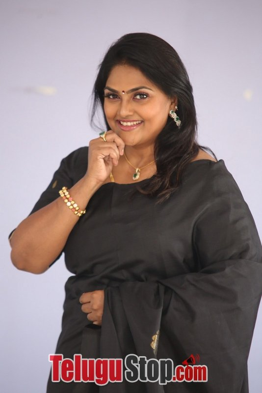 Nirosha new gallery- Photos,Spicy Hot Pics,Images,High Resolution WallPapers Download