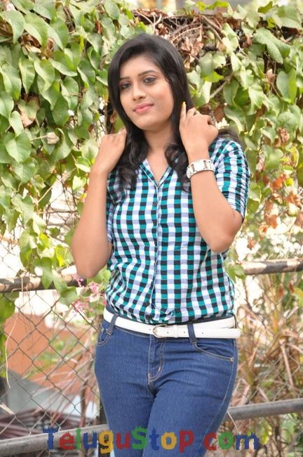 Nisha Kothari New Stills-Nisha Kothari New Stills-
