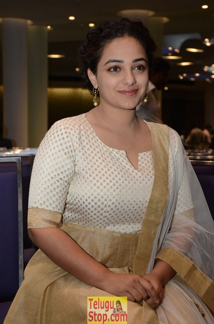 Nithya menen new stills- Photos,Spicy Hot Pics,Images,High Resolution WallPapers Download