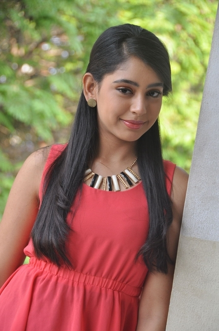 Niti taylor new stills- Photos,Spicy Hot Pics,Images,High Resolution WallPapers Download