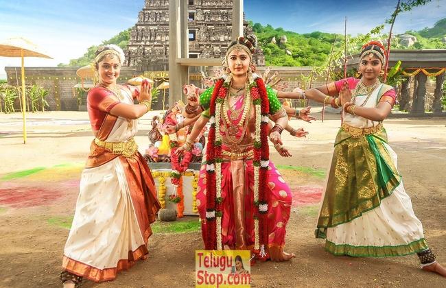 Om Namo Venkatesaya Working Stills-Om Namo Venkatesaya Working Stills- Telugu Movie First Look posters Wallpapers Om Namo Venkatesaya Working Stills-