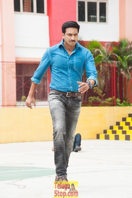 Oxygen movie gopichand new stills- Photos,Spicy Hot Pics,Images,High Resolution WallPapers Download