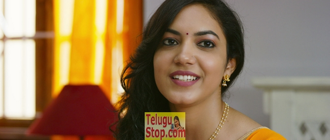 Pelli choopulu movie stills 2- Photos,Spicy Hot Pics,Images,High Resolution WallPapers Download