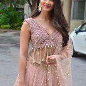 Pooja Hegde Stills Hot 12 ?>
