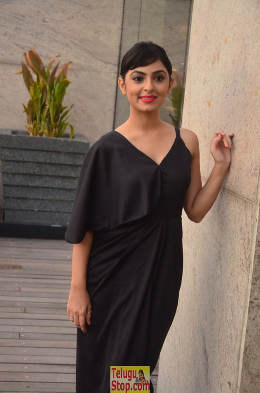 Pooja k dhoshi new stills- Photos,Spicy Hot Pics,Images,High Resolution WallPapers Download