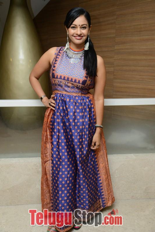 Pooja Kumar Latest Stills-Pooja Kumar Latest Stills-