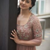 Pooja Kumar New Photo Stills- Still 2 ?>