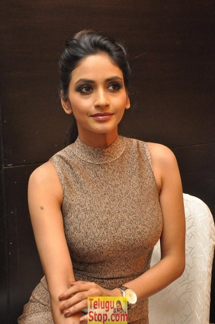 Pooja sri latest stills 3- Photos,Spicy Hot Pics,Images,High Resolution WallPapers Download