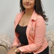 poonam-bajwa-new-stiils1