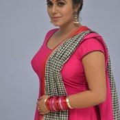 poorna-new-stills08