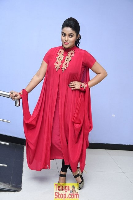 Poorna new stills 3- Photos,Spicy Hot Pics,Images,High Resolution WallPapers Download