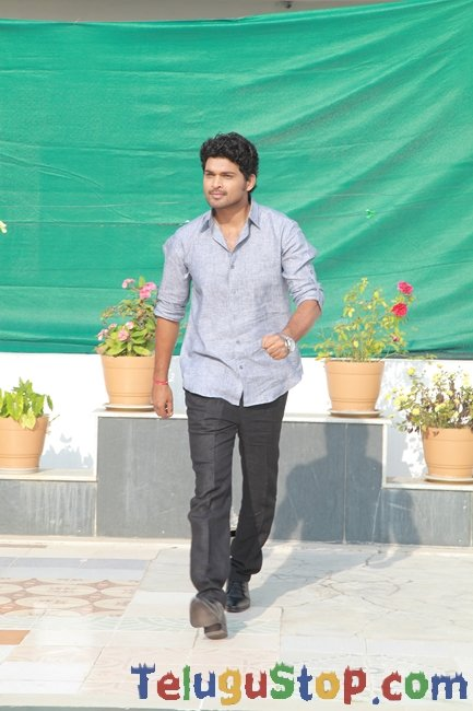 Prabhanjanam movie new stills- Photos,Spicy Hot Pics,Images,High Resolution WallPapers Download
