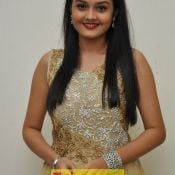 Pragathi Latest Pics Photo 4 ?>