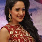 pragya-jaiswal-new-stills-12