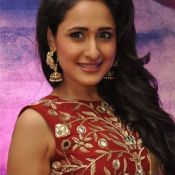 pragya-jaiswal-new-stills00