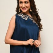 pragya-jaiswal-new-stills1