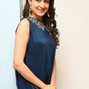 pragya-jaiswal-new-stills8